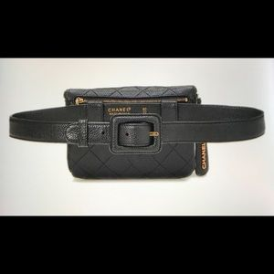 Vintage Chanel 1995 classic  caviar fanny pack.